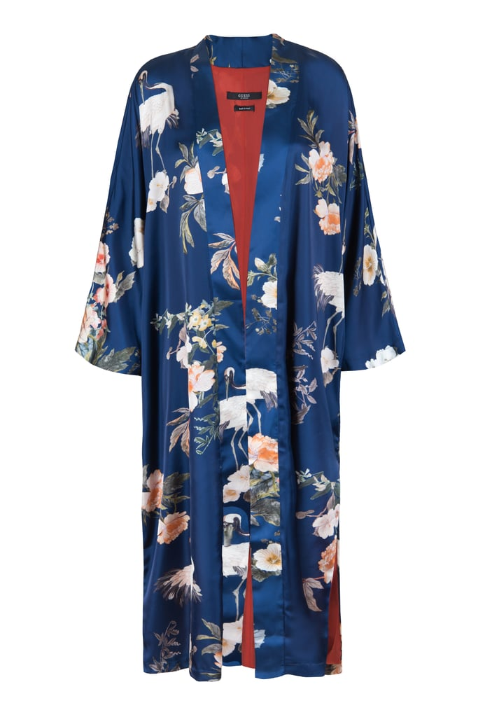 ثوب حريريّ قابل للّف بطبعات الزهور من علامة غيز (GUESS) بسعر 545 درهماً إماراتيّ