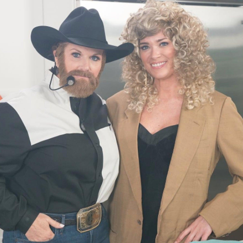 trisha yearwood as garth brooks halloween costume popsugar celebrity