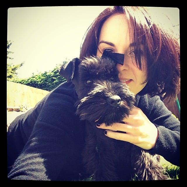 Michelle Dockery took an adorable puppy selfie. Source: Instagram user theladydockers