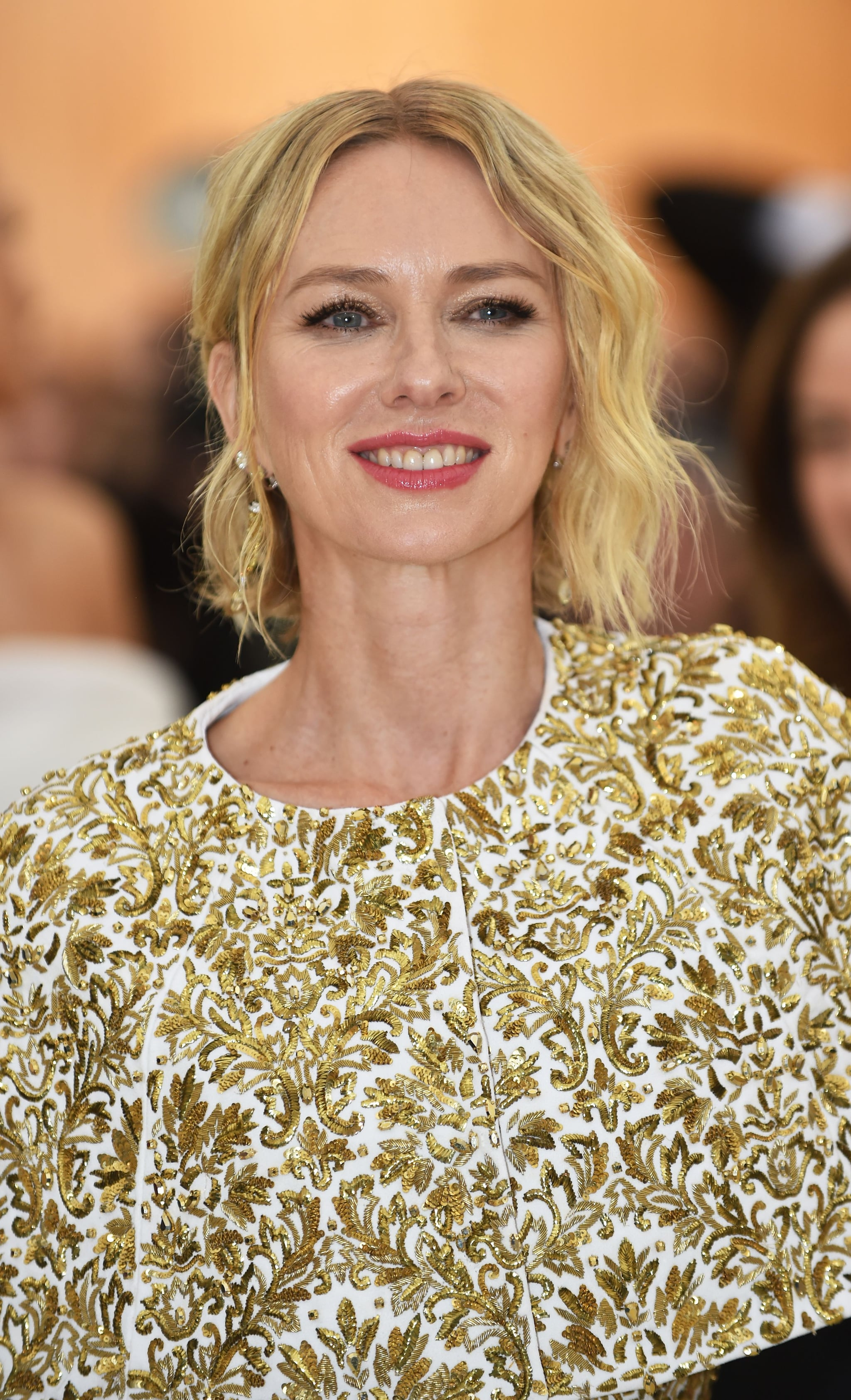 Naomi Watts arrives for the 2018 Met Gala on May 7, 2018 at the Metropolitan Museum of Art in New York. - The Gala raises money for the Metropolitan Museum of Arts Costume Institute. The Gala's 2018 theme is Heavenly Bodies: Fashion and the Catholic Imagination. (Photo by Hector RETAMAL / AFP)        (Photo credit should read HECTOR RETAMAL/AFP/Getty Images)