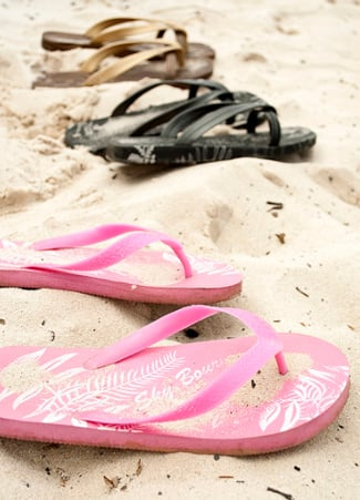 Countdown to Summer: Get Your Hands & Feet in Top Shape