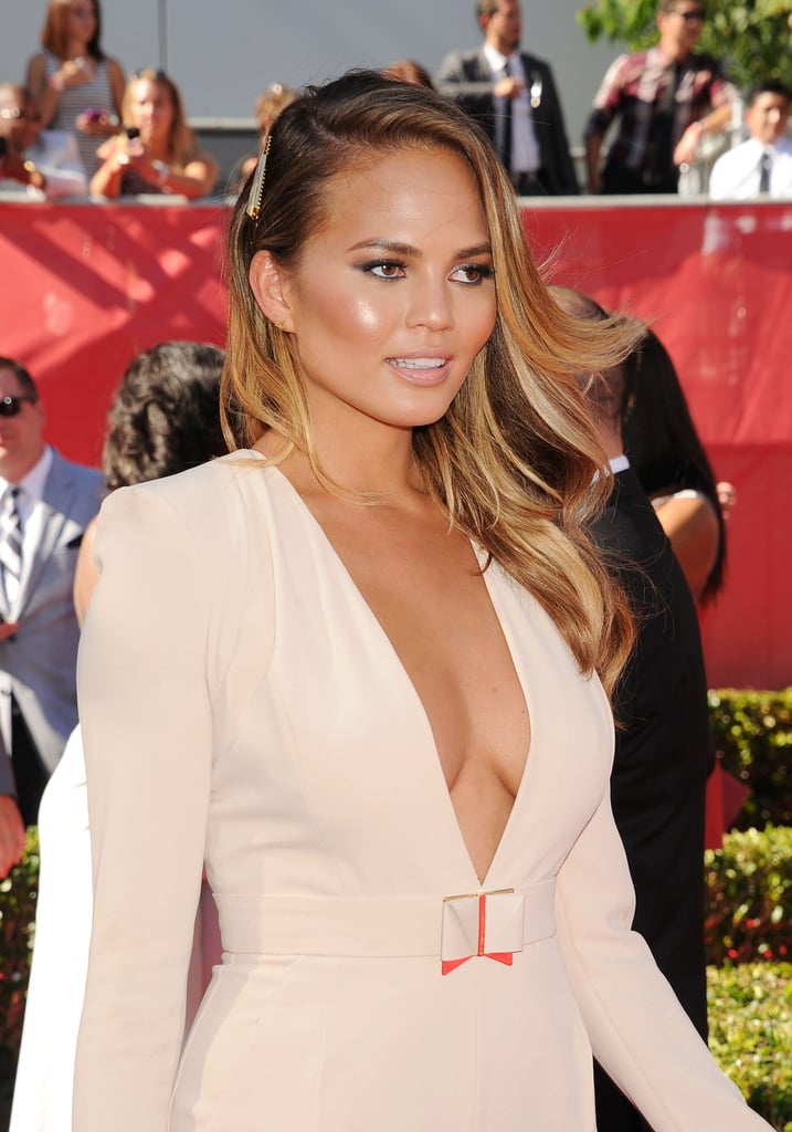 chrissy teigen 39 s best hair and makeup looks popsugar