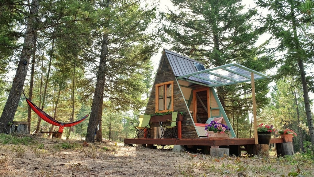 How to build a tiny cabin popsugar home australia for How to build a small cabin with a loft