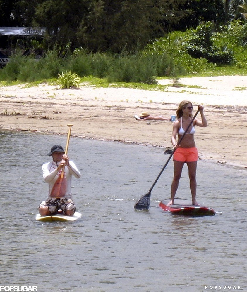 Jennifer hopped on a paddleboard in Hawaii in August 2007.