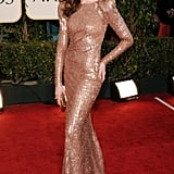 Pictures of Anne Hathaway at 2011 Golden Globe Awards 2011-01-16 17:17:52