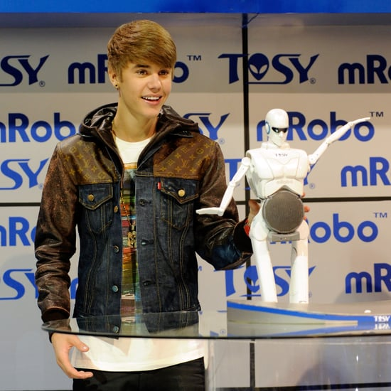 Justin Bieber at CES With Dancing Robot (Pictures)