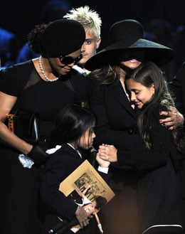 Video Of Paris Jackson Breaking Down at Memorial Service Of Her Father Michael Jackson Plus Round Up Of Other News
