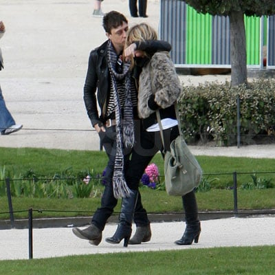 Kate Moss and Jamie Hince in Paris 2008-03-19 22:47:46