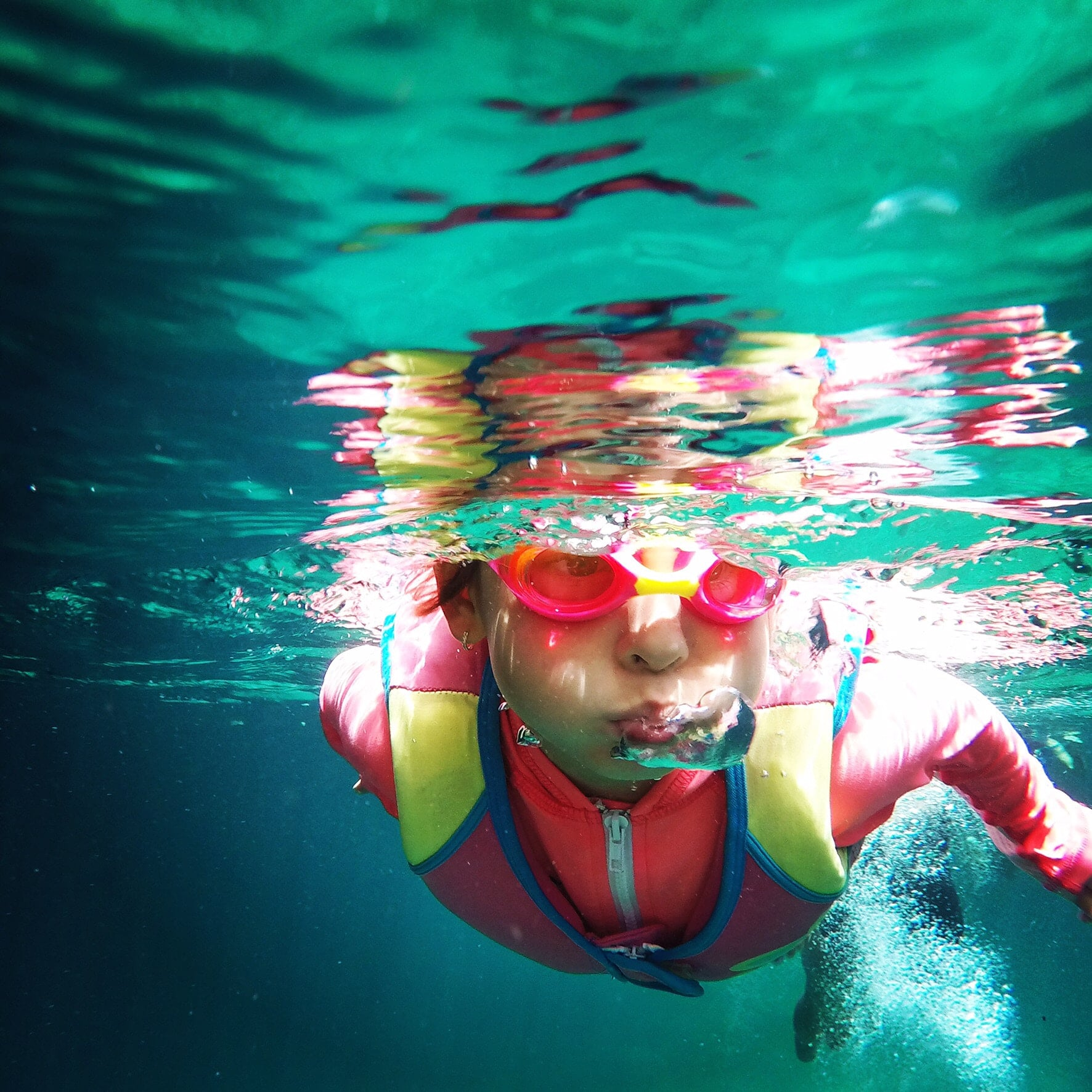"""Here Are the Symptoms of """"Dry Drowning"""" — and When to Look Out For Them in Your Kid"""