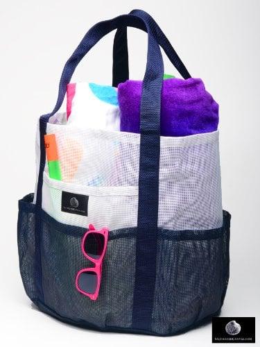 Bring a Sand-Free Beach Bag