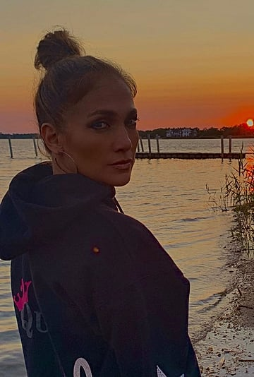 Jennifer Lopez Wore a Queen Hoodie While Pumpkin Picking