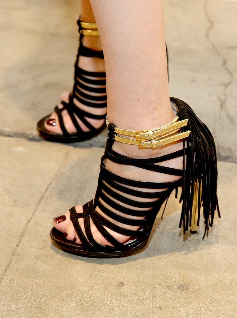 4. Exfoliate rough, sandal-abused feet.