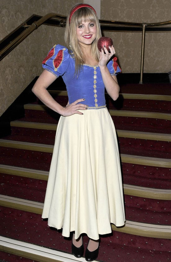 Pictures of Tina O'Brien as Snow White Celebrities in Pantomimes Christmas 2010