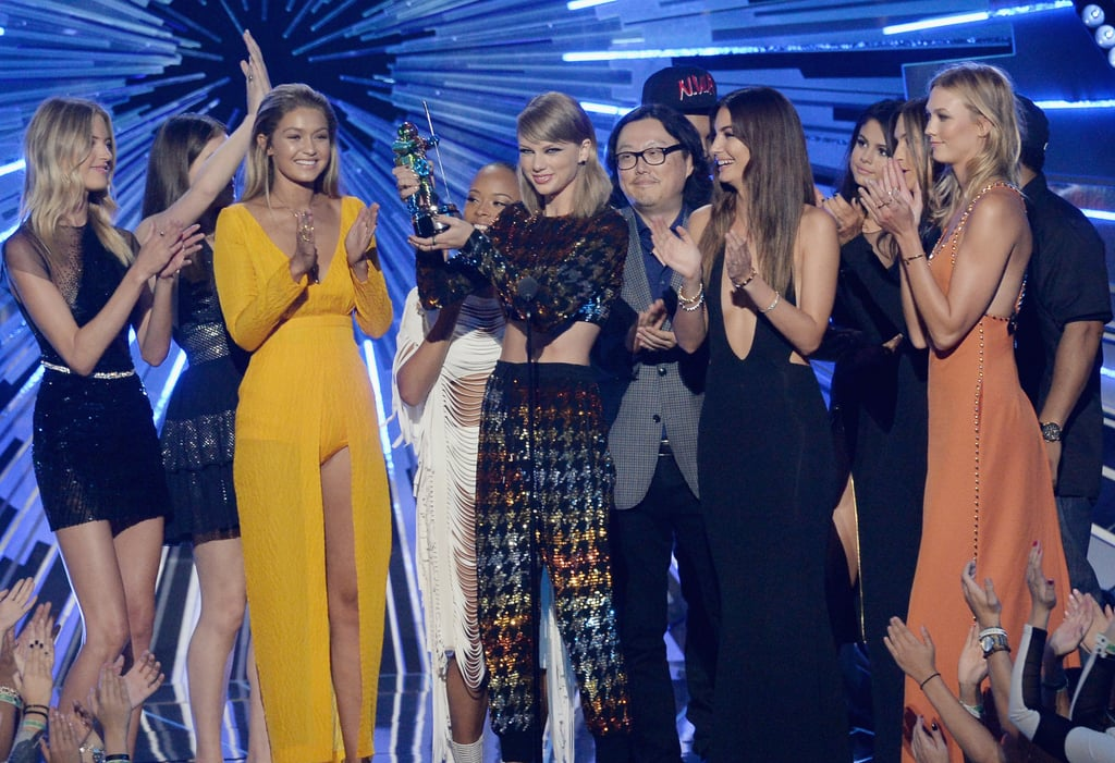 When They All Flooded the Stage For Taylor's Acceptance Speech at the MTV VMAs
