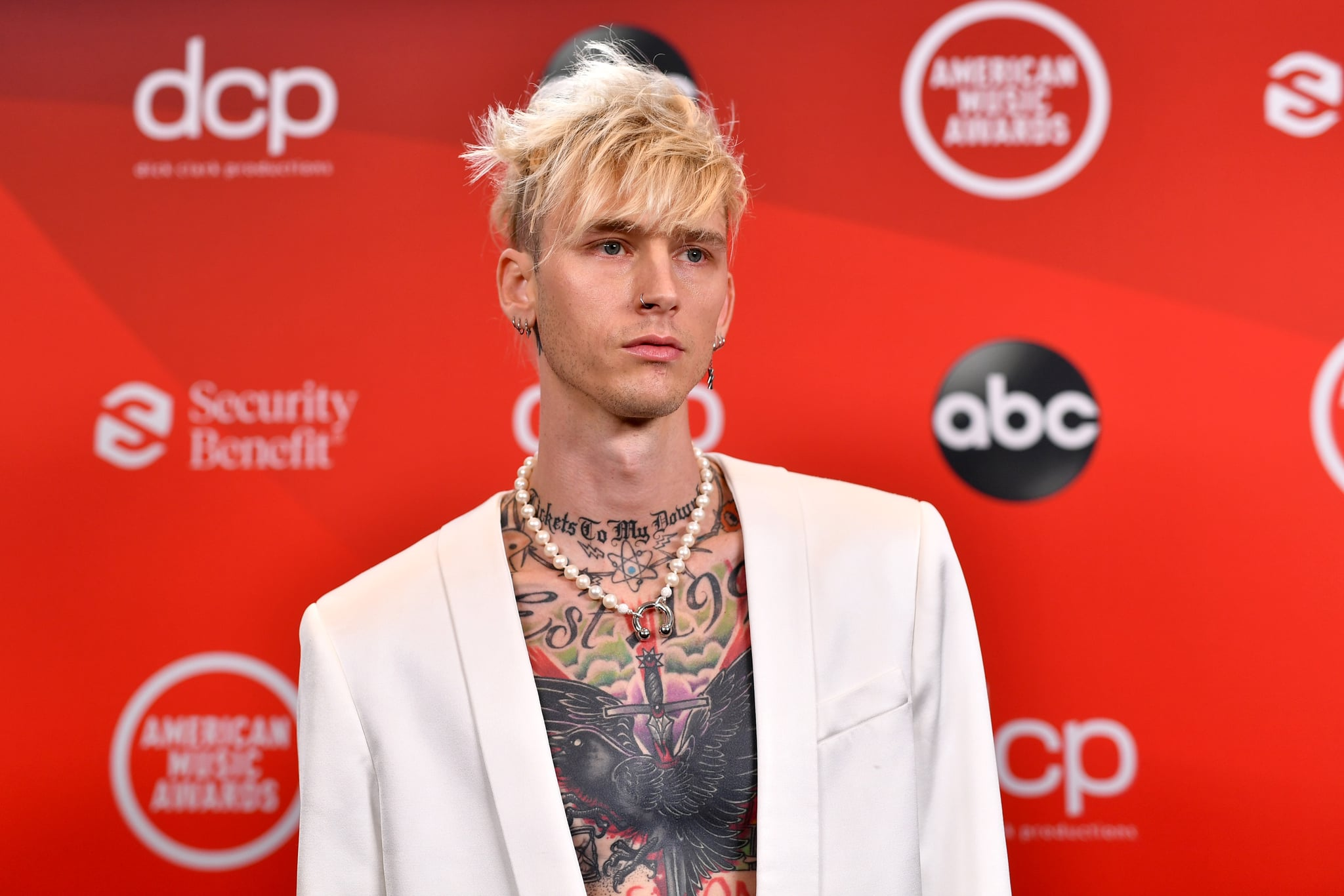 LOS ANGELES, CALIFORNIA - NOVEMBER 22: In this image released on November 22, Machine Gun Kelly attends the 2020 American Music Awards at Microsoft Theater on November 22, 2020 in Los Angeles, California. (Photo by Emma McIntyre /AMA2020/Getty Images for dcp)