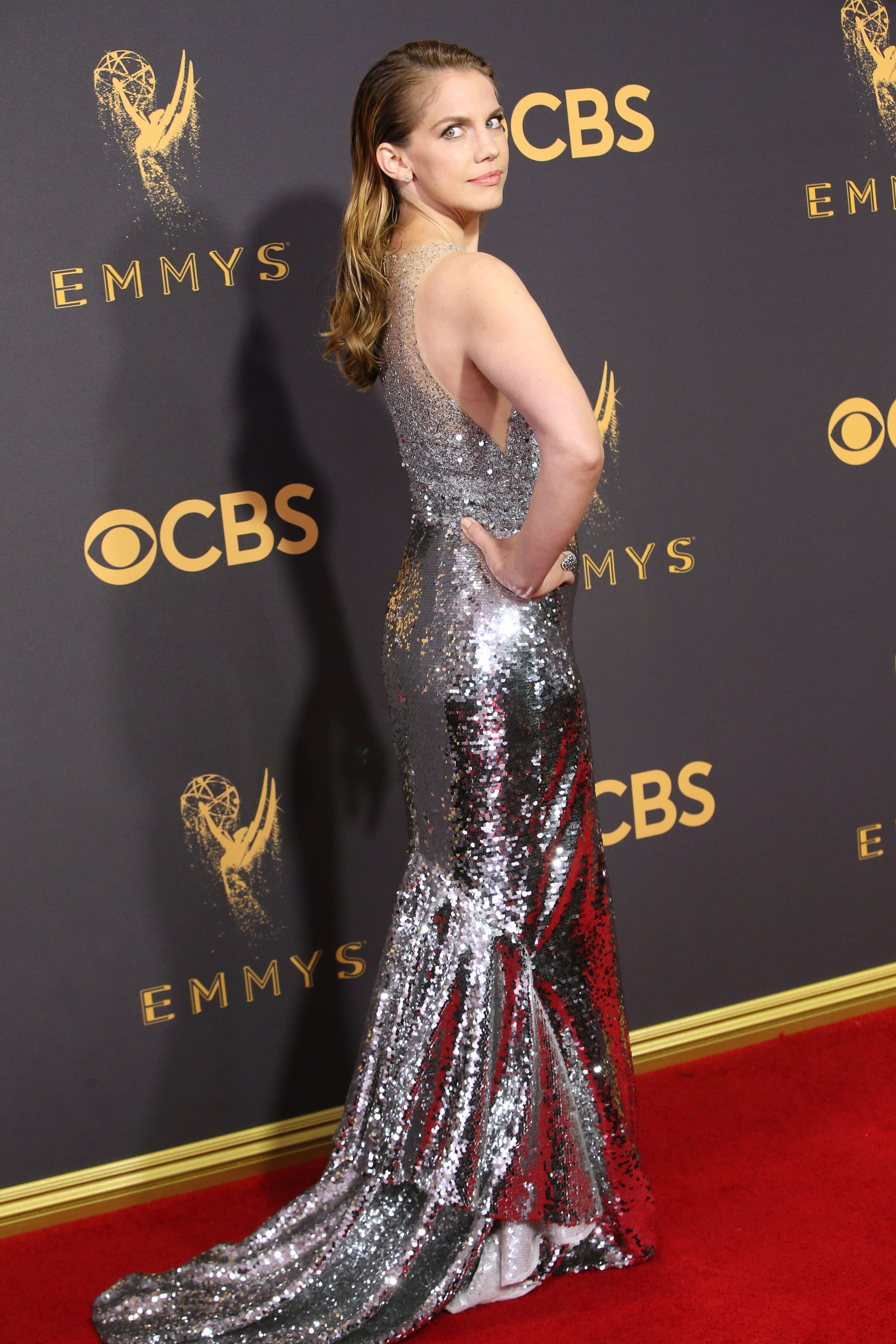 Anna Chlumsky The Emmys Red Carpet Was Straight Up Sexy As Hell