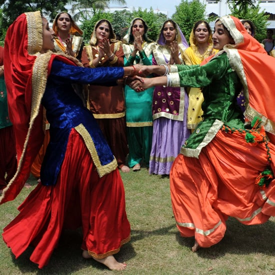 Indian Girls Dancing Pictures