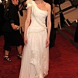 For the 2010 Met Gala, Kirsten wore a sweeping one-shoulder gown by Rodarte for Gap.