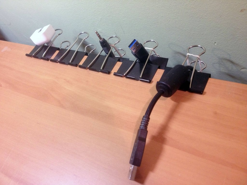 Use Clips to Organize Your Wires | Best Reddit Life Pro Tips ...