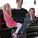 Pictures of Jennier Garner with Violet and Seraphina
