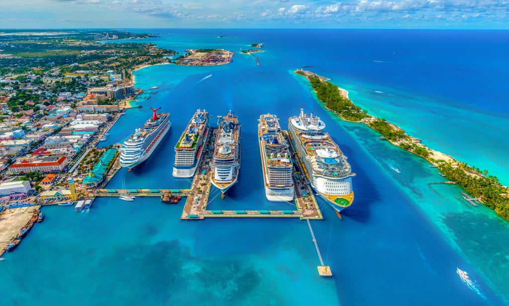 Cruise the Bahamas