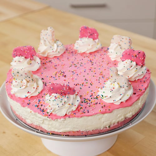 No-Bake Frosted Animal Cracker Cheesecake