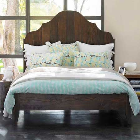 Crave Worthy:  Gustavian Bed