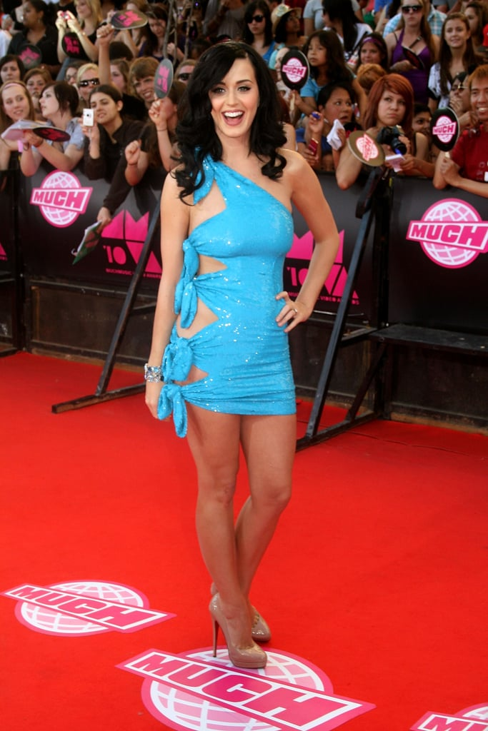 She graced the red carpet in a revealing blue minidress at the MuchMusic Awards in Toronto in June 2010.