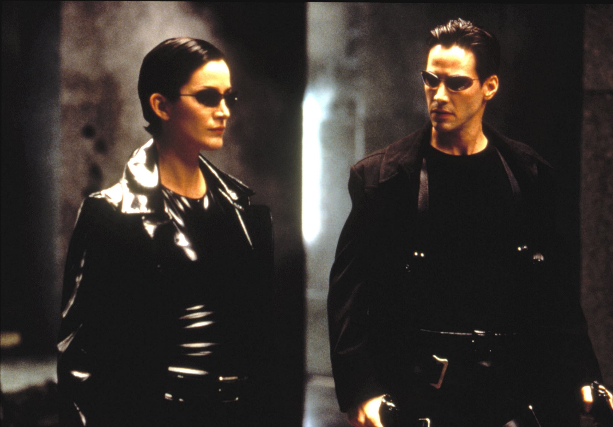 THE MATRIX, Carrie-Anne Moss, Keanu Reeves, 1999. Warner Bros./courtesy Everett Collection