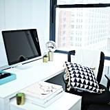استخدموا طاولة مرتفعة في مكتبكم.