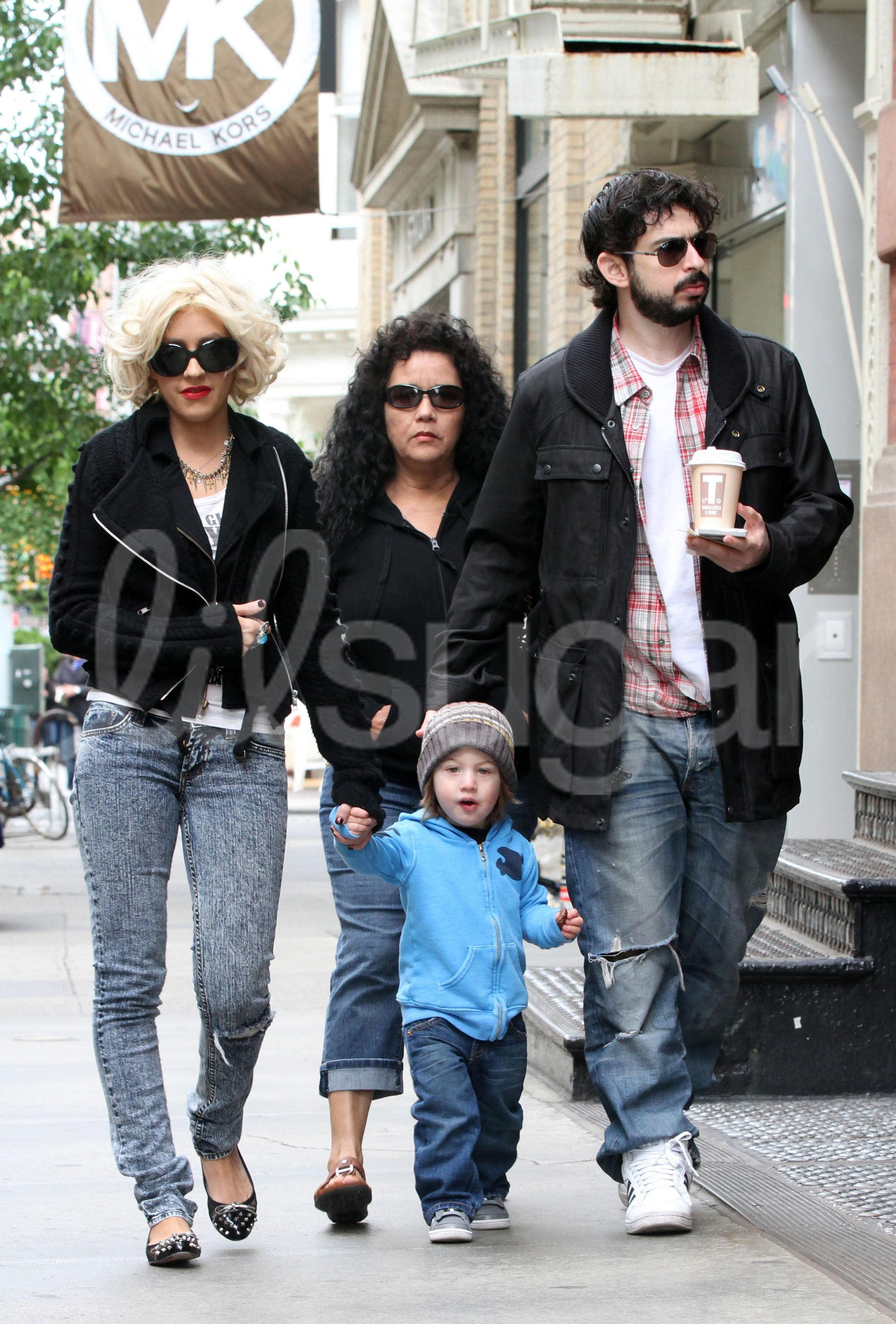 Christina Aguilera Out With Husband And Son Popsugar Moms