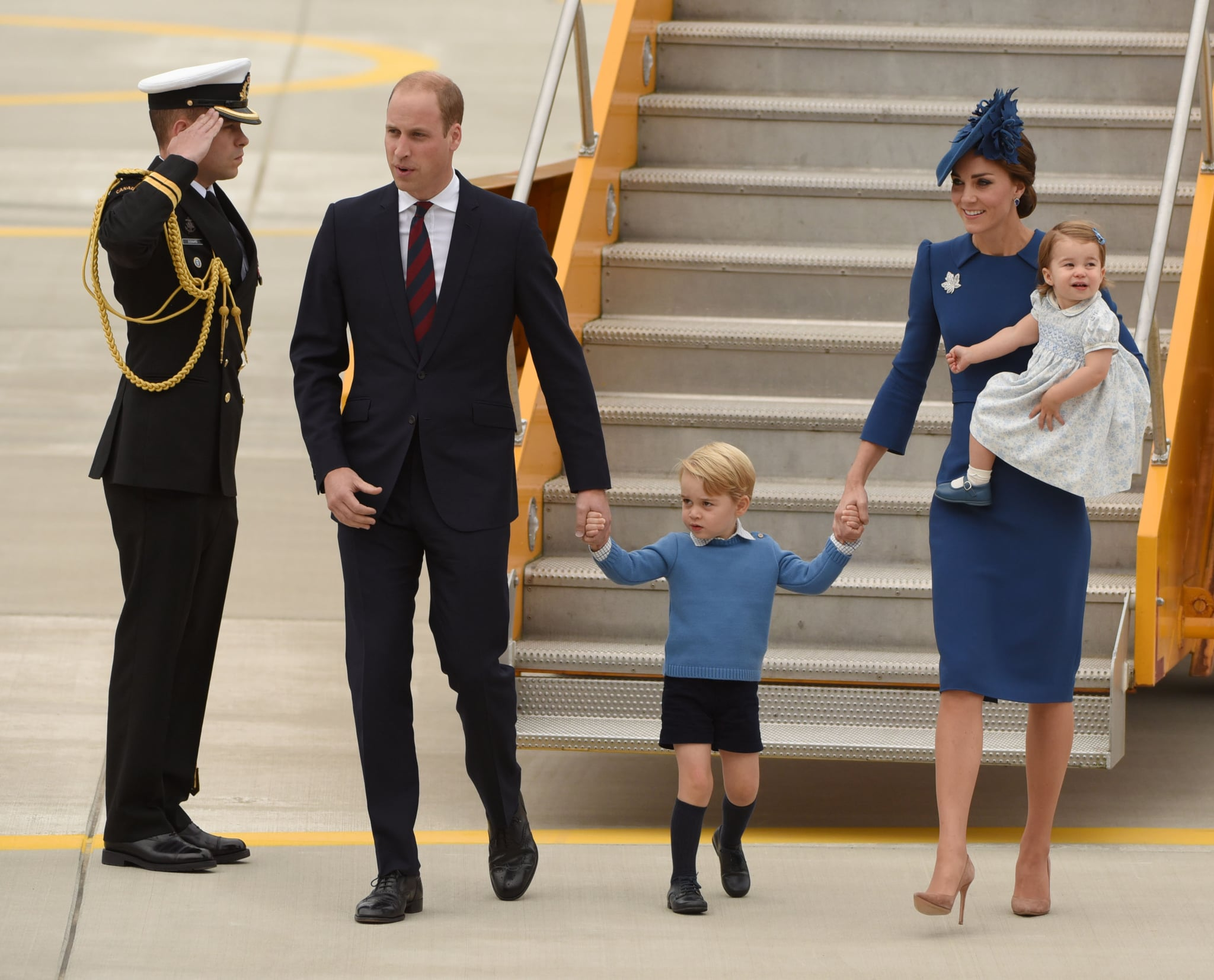 (L-R) Prince William, Duke of Cambridge, Prince George of Cambridge, Catherine, Duchess of Cambridge and Princess Charlotte of Cambridge arrive at 443 Maritime Helicopter Squadron on  September 24, 2016 in, Victoria, British Columbia.The prince and his wife first visited Canada five years ago. This time they will take in the natural beauty of Canada's Pacific coast, heading as far north as the rugged Yukon territory, and will also meet with indigenous people. / AFP / Don MacKinnon        (Photo credit should read DON MACKINNON/AFP/Getty Images)