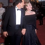 Meryl wore a pearl choker, off-the-shoulder top, and skirt to the 1989 Oscars.