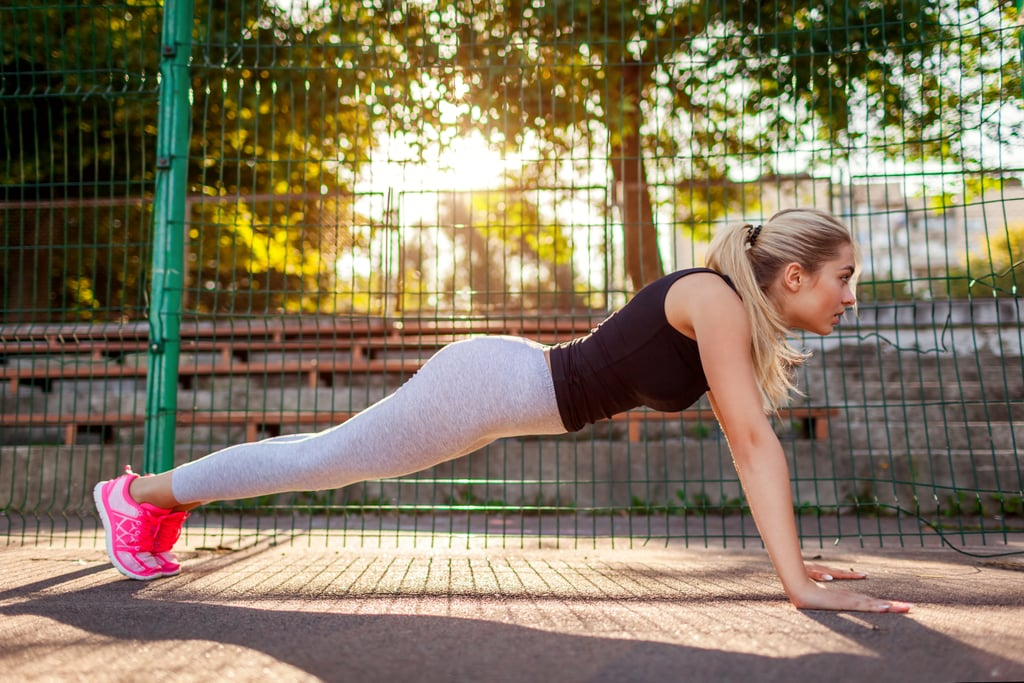تمرينات معدة من 4 حركات تعتمد على وزن الجسم