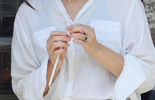 The engagement ring on a finder of Elizabeth Olsen