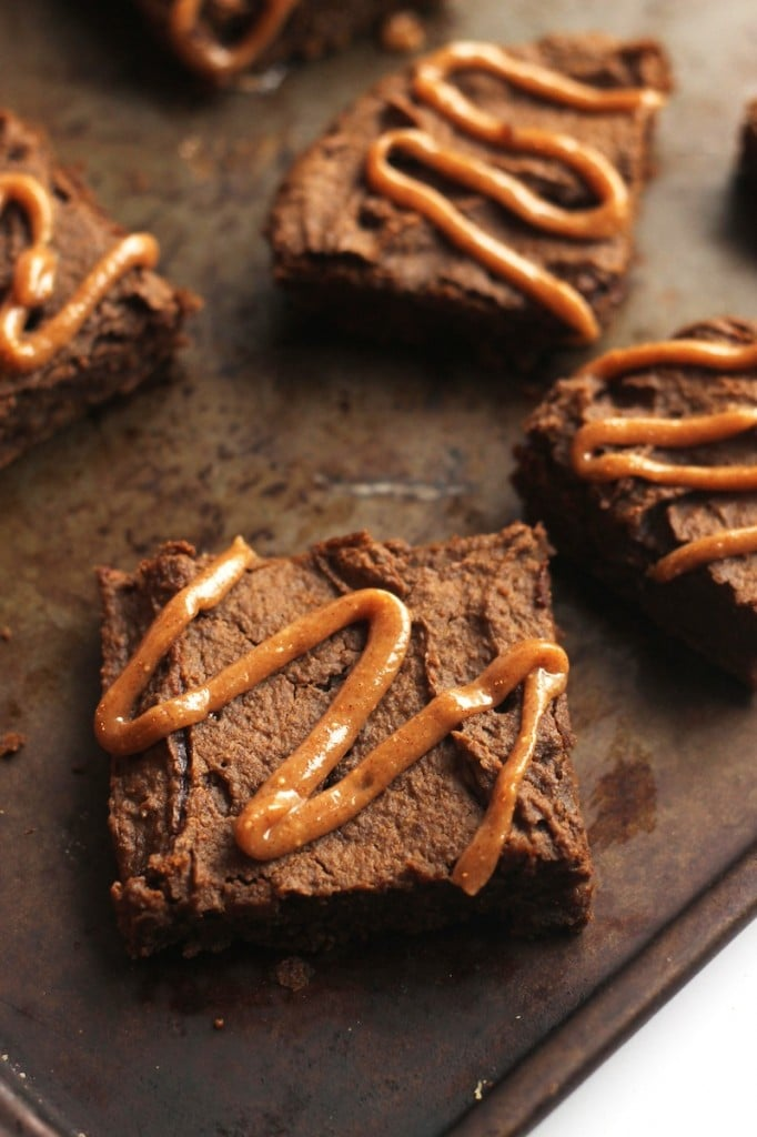Chocolate Chip Gingerbread Chickpea Blondies