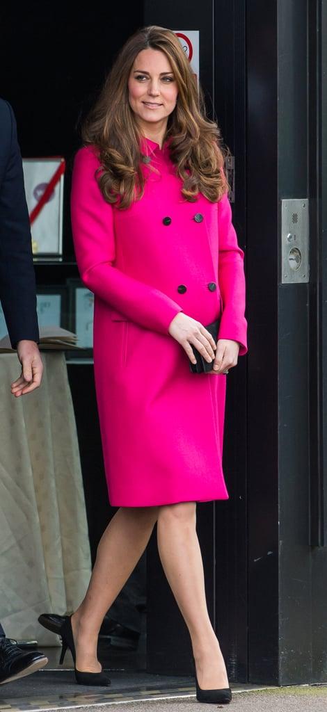 عندما خطفت الأنظار باللون الوردي الحار