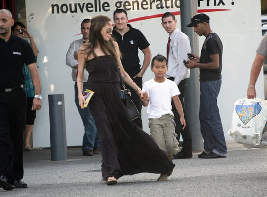 Angie and Maddox leaving a supermarket in Toulon