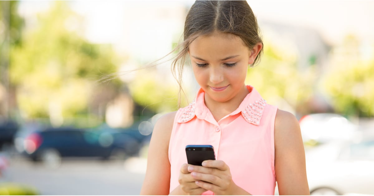 8/18/162/12/16POPSUGARMomsParenting NewsWhat Parents Should Know About the Kik AppParents: Know These Facts If Your Kids Use the Kik AppFebruary 12, 2016 by Common Sense Media21 SharesOur friends at Common Sense Media are here to share the facts about Kik Messenger, an app that many teens and tweens use to communicateKids and teens love using the chatting app Kik Messenger because it's free, it's popular with their friends, and they can quickly and efficiently add cool Web content — memes, viral videos, images, and more — to their texts without any message or character limits. The ability to easily interact with and share popular, trending items is a huge draw for kids (whose lives pretty much revolve around the Internet). The other thing kids like about Kik is that you can sign up with only a username; you don't have to tie your account to your phone number, as you would with traditional SMS messaging. That lets you chat with a much wider range of potential chat buddies — whom you may or may not know. - 웹