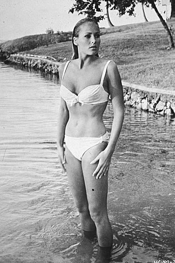 Bond Girls | Pictures
