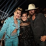 Snapping a Pic With Miley and Billy Ray Cyrus at the 2017 VMAs