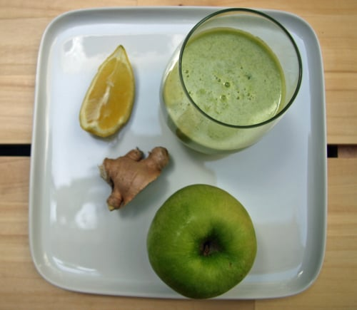 Detoxifying Apple Lemon Ginger Juice