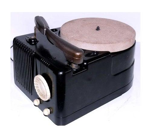 Bakelite-Deco Record Player/Radio Receiver