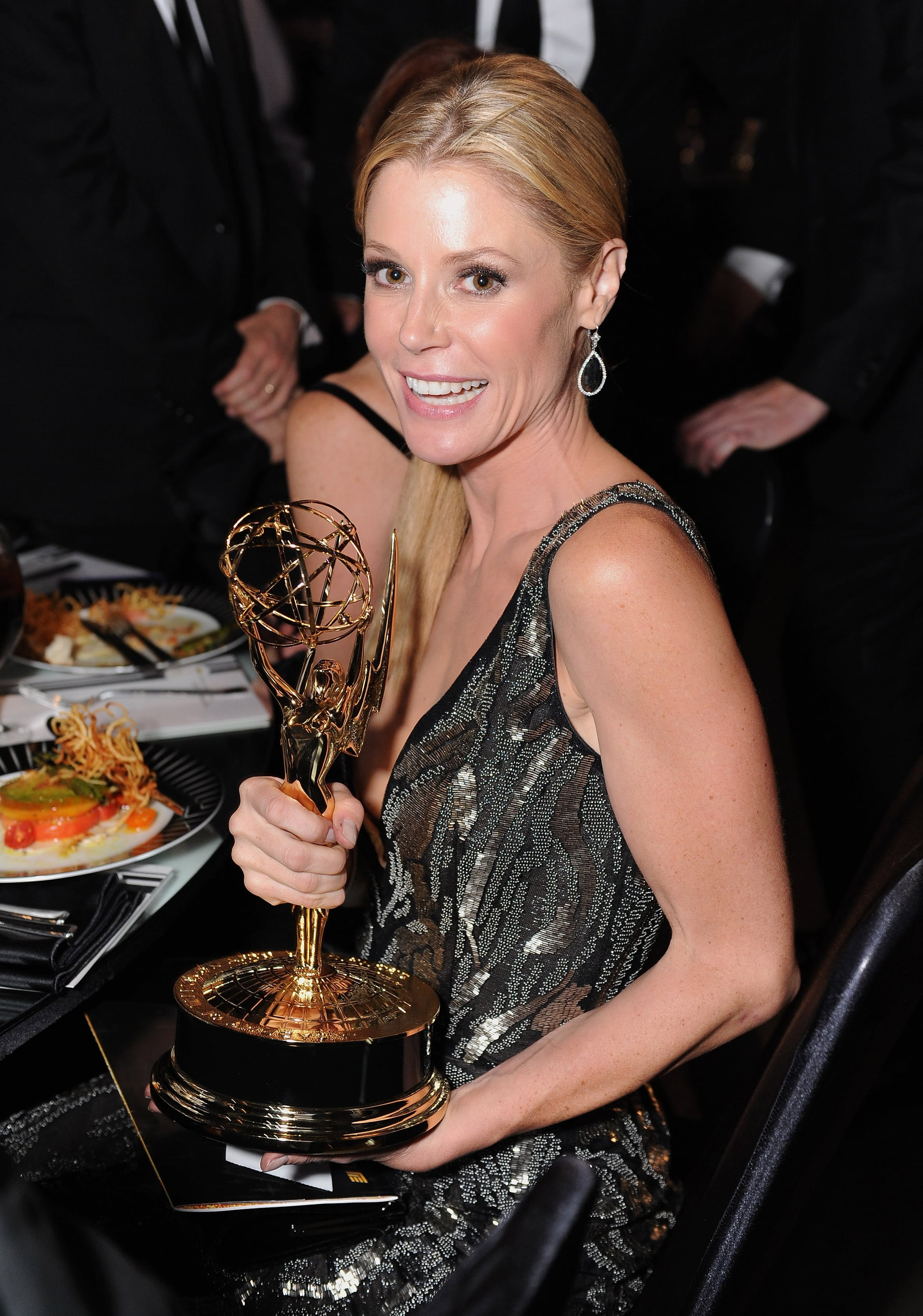 Julie Bowen with her statue at the Emmy's Governor's Ball.