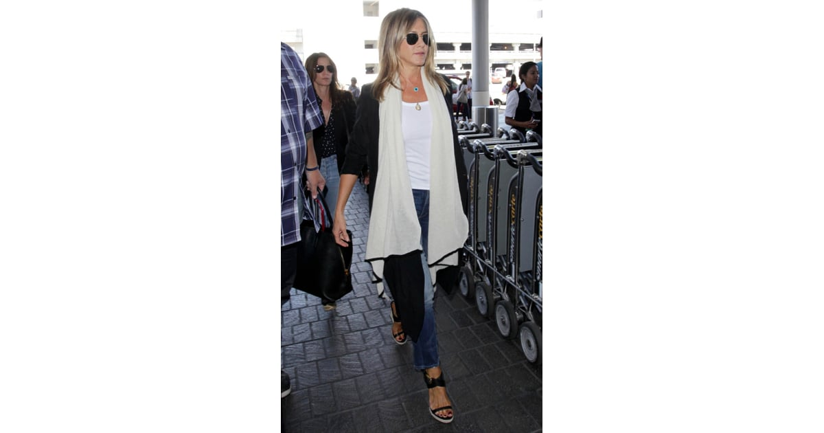Jennifer Aniston Travel Style July 2016 Popsugar Fashion Photo 2