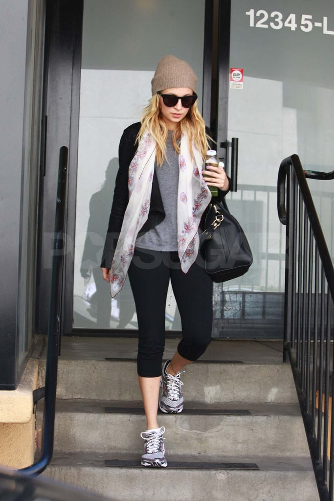 Nicole Richie Runs Out of the Gym in Style
