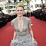 In 2015, Naomi Watts was all smiles in her gorgeous feathered gown.