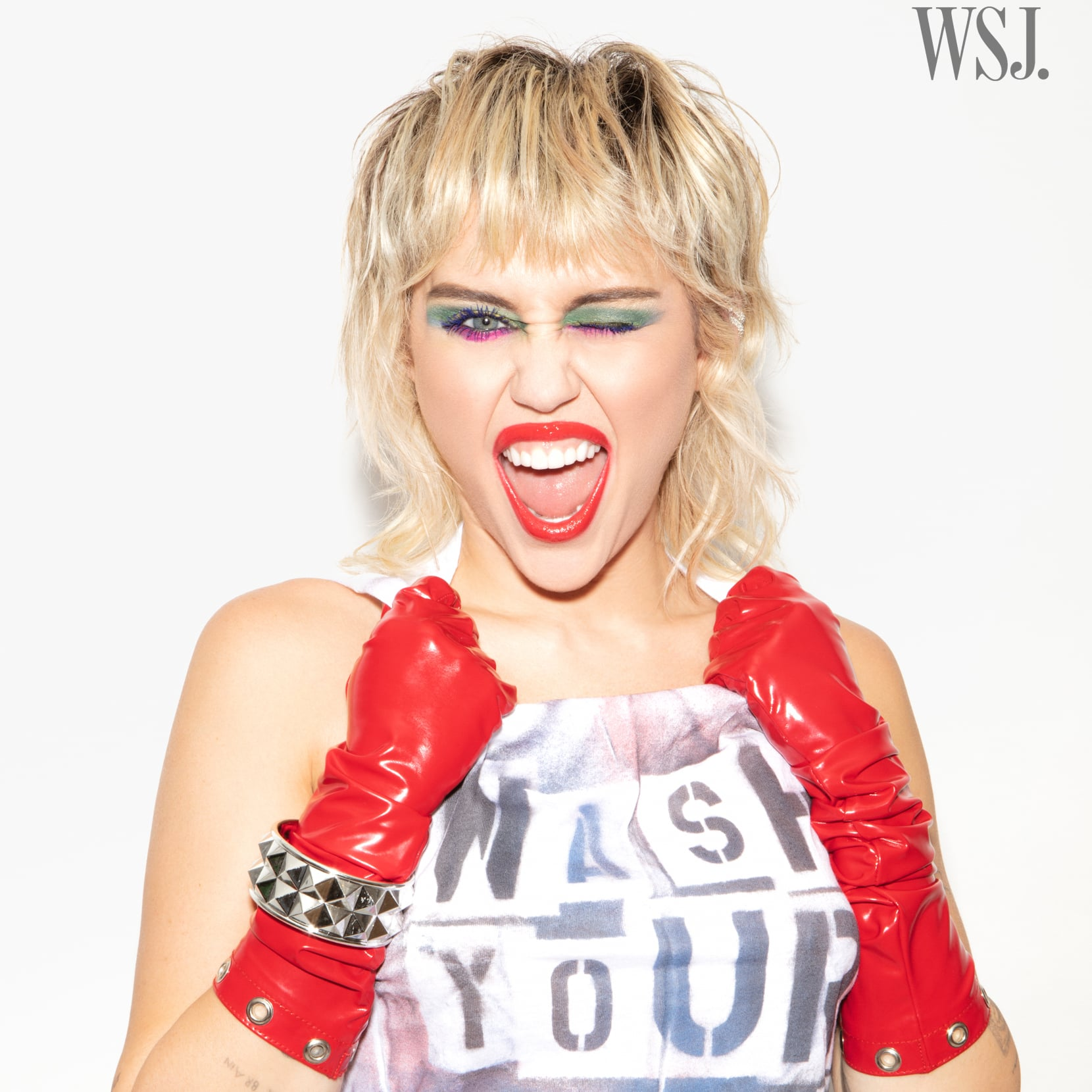 Miley Cyrus S Mullet Haircut In 2020 Photos Popsugar Beauty