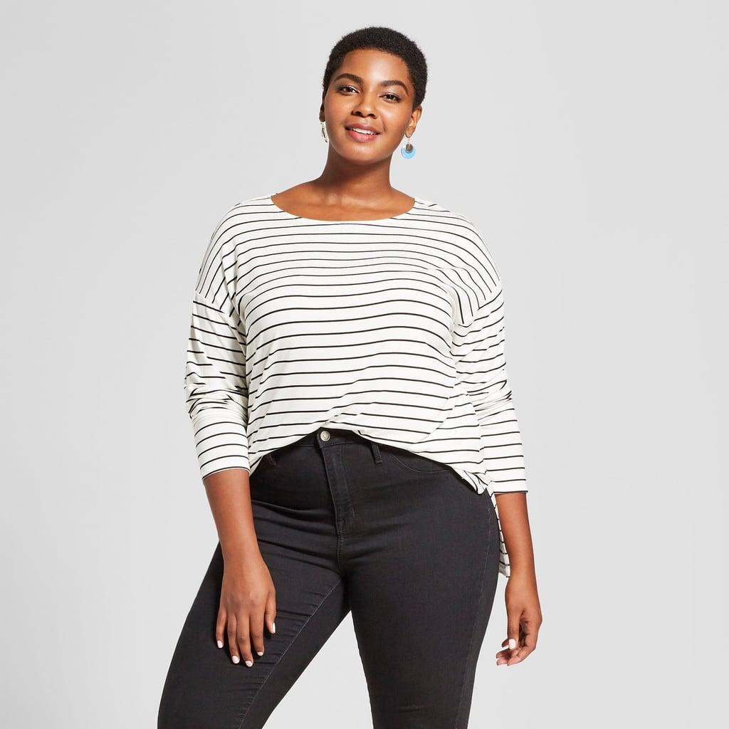 قميص منسدل ذو ياقة واسعة وأكمام طويلة من Ava & Viv