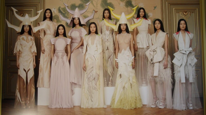 Photos of Givenchy Spring 2011 Haute Couture Collection